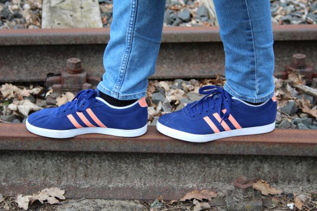 adidas sneaker blue